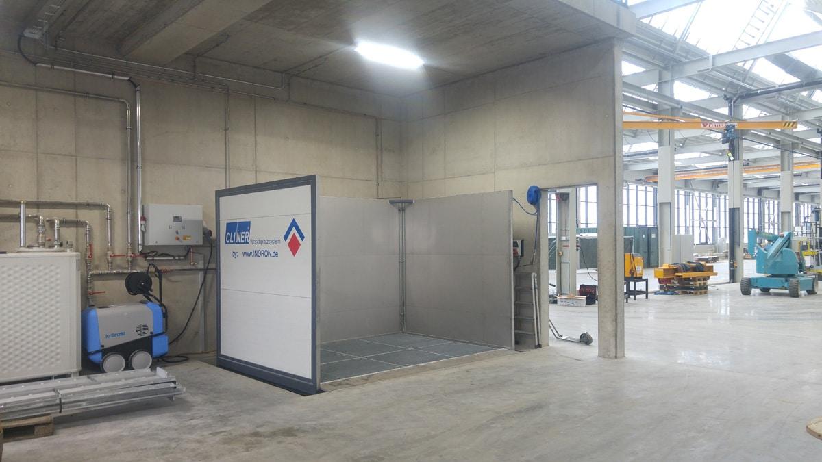 Waschplatz Industrie für Hochdruckreiniger im Boden mit offener Front und ohne Dach