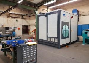 Mobiler Waschplatz in der Werkstatt des Kunden mit geschlossen Türen