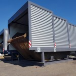 Containerstellplatz und Contrainerüberdachung beide mit geschlossenem Dach nebeneinander