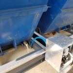 Ablauf Emulsion in Containerstellplatz mit Emulsionsrückgewinnungspumpe