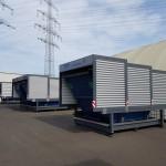 Containerstellplatz mit geschlossenem Dach auf Hof