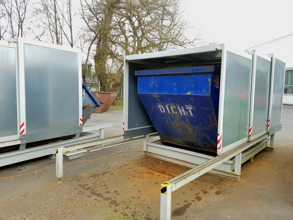 Container dicht Absetzmulde
