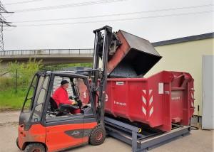 Abrollcontainer WHG konform im Containerstellplatz (40)